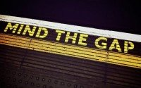 A mind the gap sign