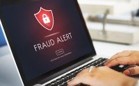 An image of a computer screen showing a fraud alert